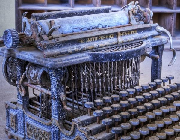Vintage Typewriter, Writing